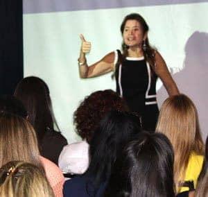 http://atracaodeclientes.com.br/wp-content/uploads/2015/09/Olivia-Lobell-Palestra-Como-Atrair-Mais-Clientes-de-Coaching
